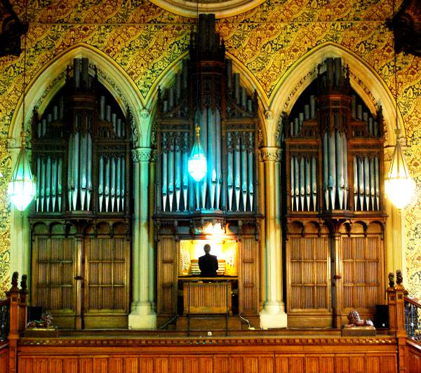 ROCHDALE TOWN HALL ORGAN CASE