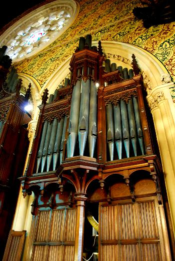 ROCHDALE TOWN HALL ORGAN CASE RIGHT